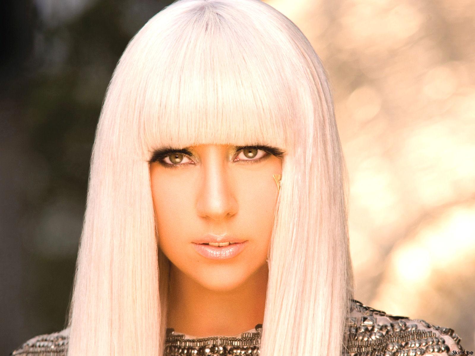 http://3.bp.blogspot.com/-tsPCVeCAAVE/T1jezgruyYI/AAAAAAAAB6c/Z58-yNb1fmM/s1600/Lady-Gaga-Piccol%2B%25285%2529.jpg