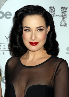 Dita Von Teese Retro Hairstyle Lookbook
