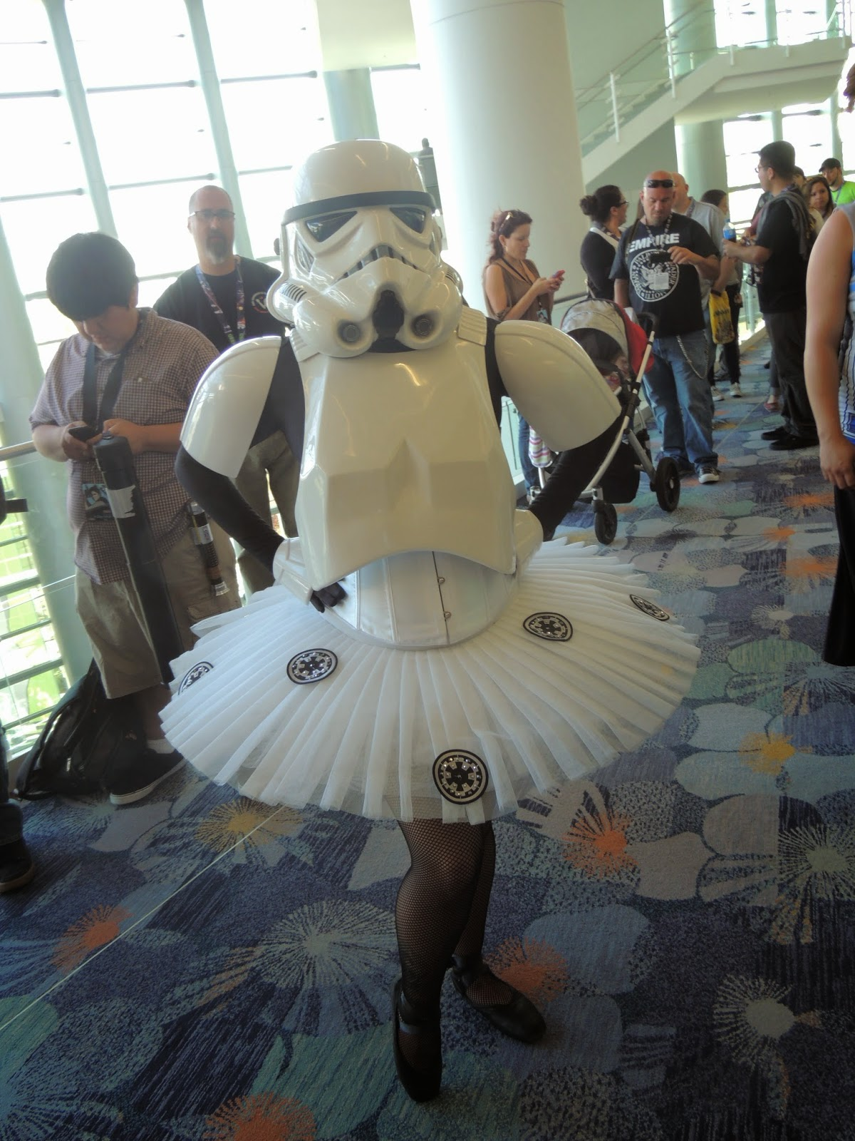 stormtrooper-ballerina-star-wars-celebration-anaheim