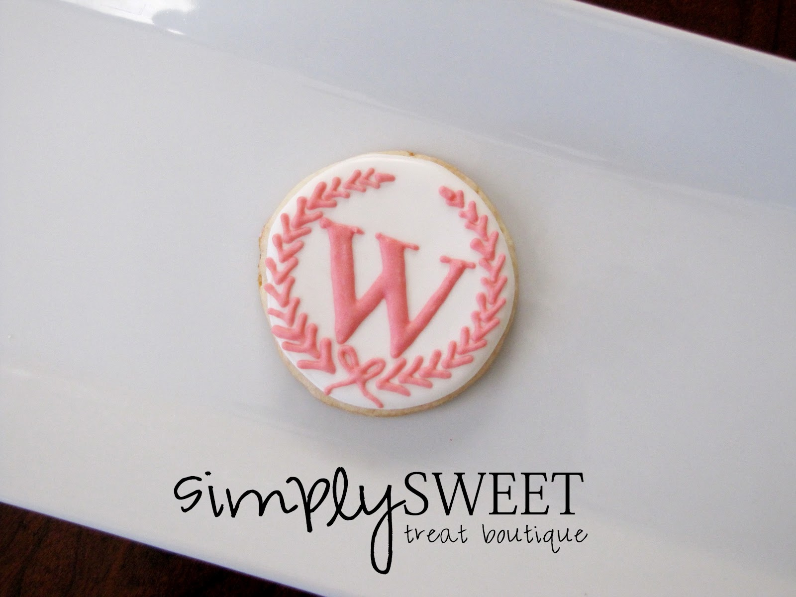 SimplySweet Treat Boutique: Monogram/Initial Cookies