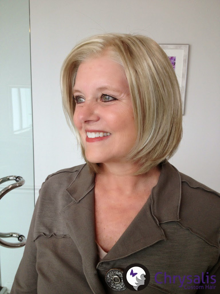 Showing Monofilament Part Of Blonde Bob Wig With Lacefront For A Cancer Patient