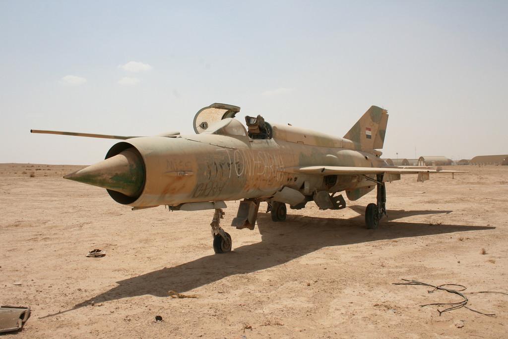 Irak - Página 2 IRAK+MIG-21BIS+21226
