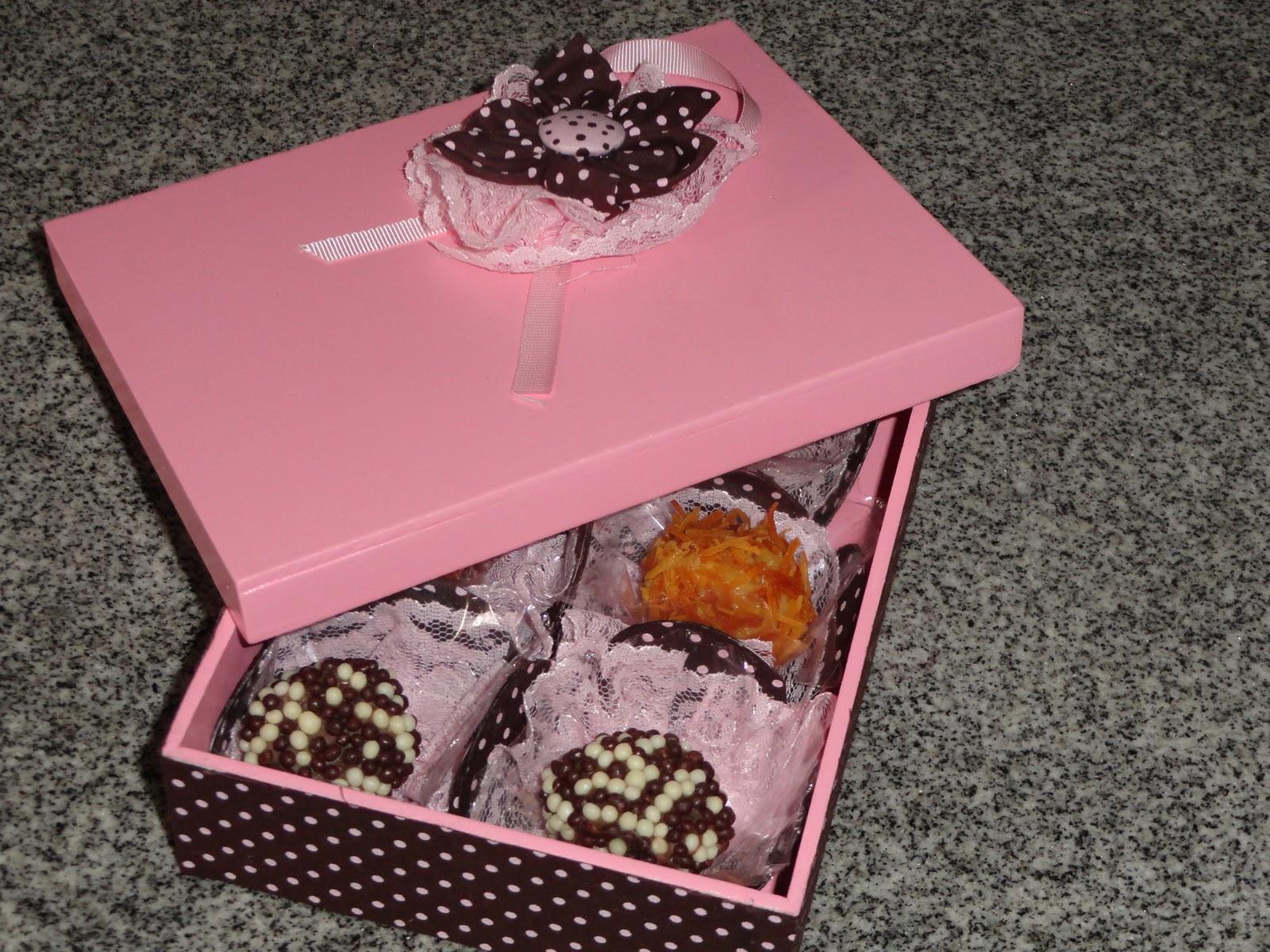 Coisas: Caixa de madeira para doces (lembrança de casamento Lisiane #AF651D 1600x1200