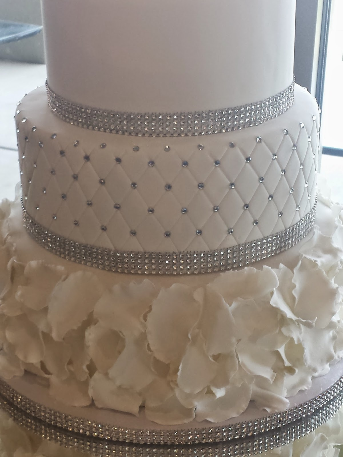 J\'s Cakes: Blinged Out Wedding Cake