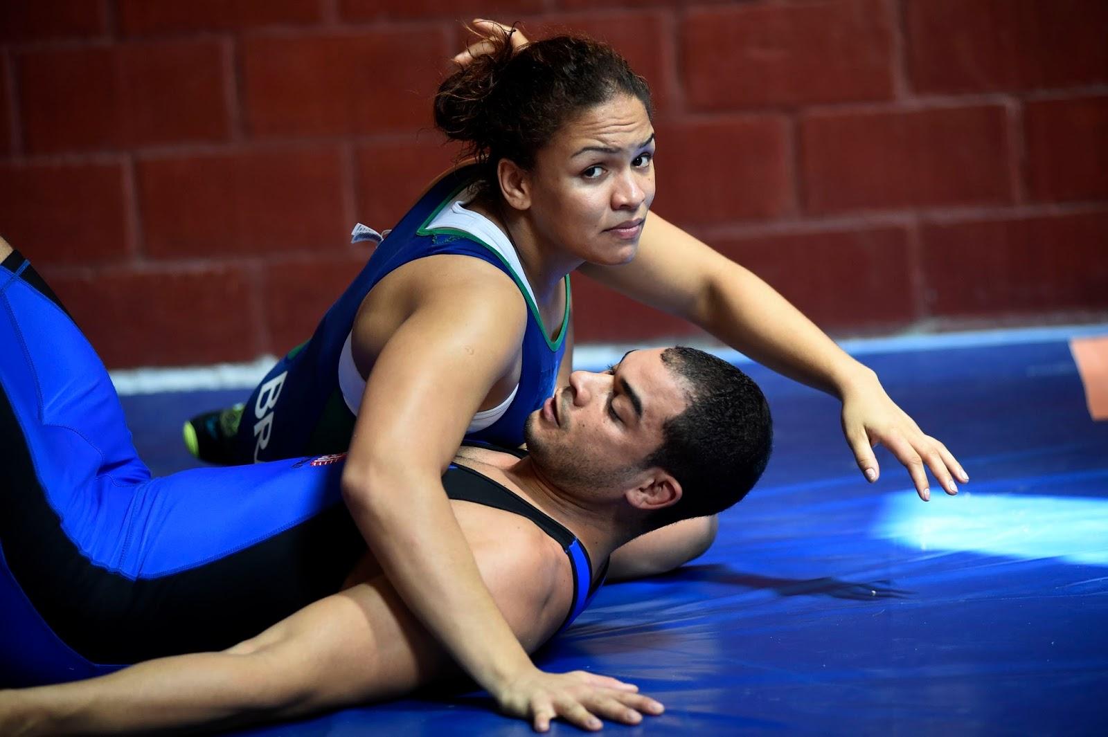 Women Wrestling Men 65