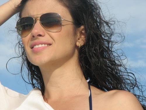 Paula Fernandes cabelos molhados