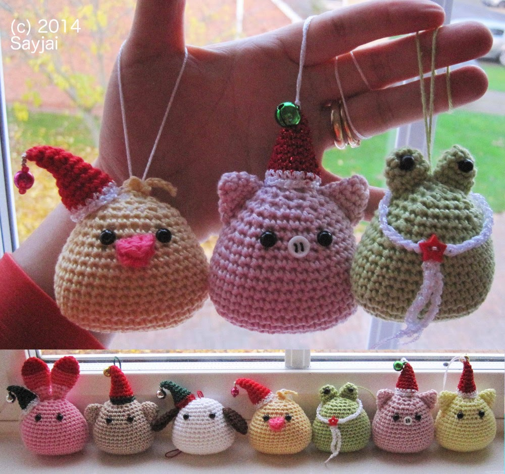 Tiny Amigurumi Crochet Patterns : Tiny Christmas Hat - free crochet pattern - Sayjai ...