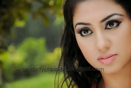 Bangladeshi Actress Apu Biswas Unseen Hot Photo and Sexy Image Gallery 2014