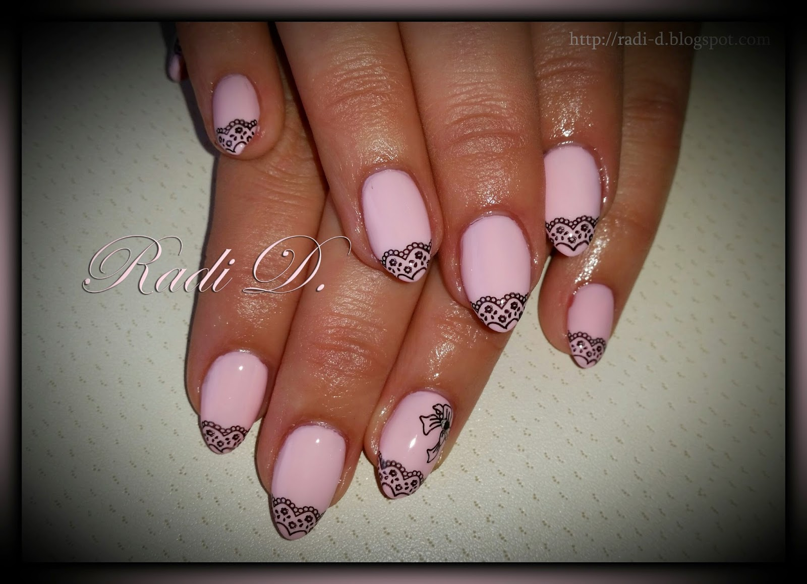 It`s all about nails: Baby pink almond nails with lace