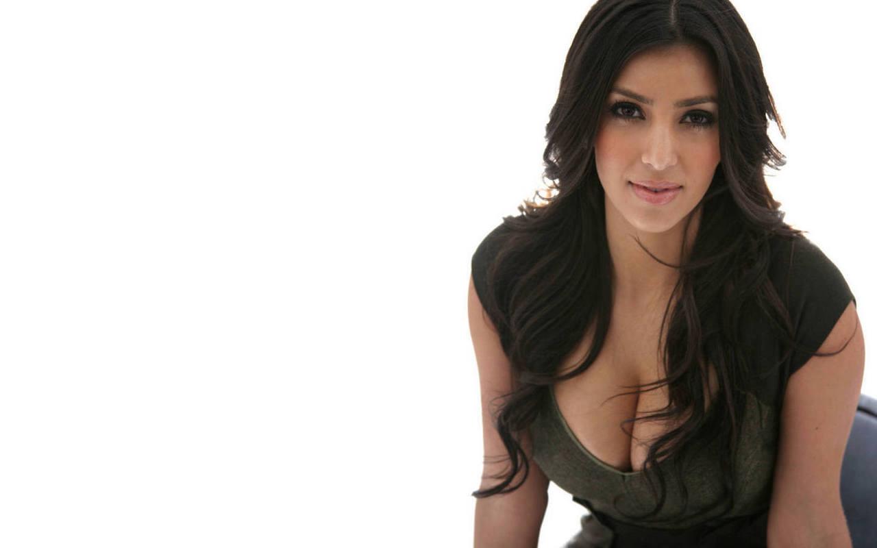 http://3.bp.blogspot.com/-ttwPju3eRXo/Tu5k27JpEFI/AAAAAAAAAq8/o-UNNveNcrM/s1600/Free-Kim-Kardashian-Wallpapers-5.jpg