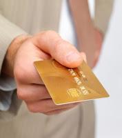 et kredittkort i gull
