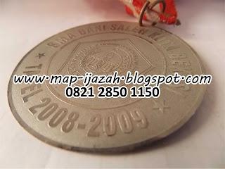 Medali Wisuda