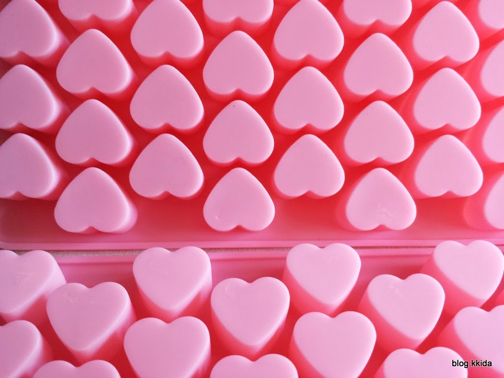 PINK HEART SHAPE CHOC MOLD