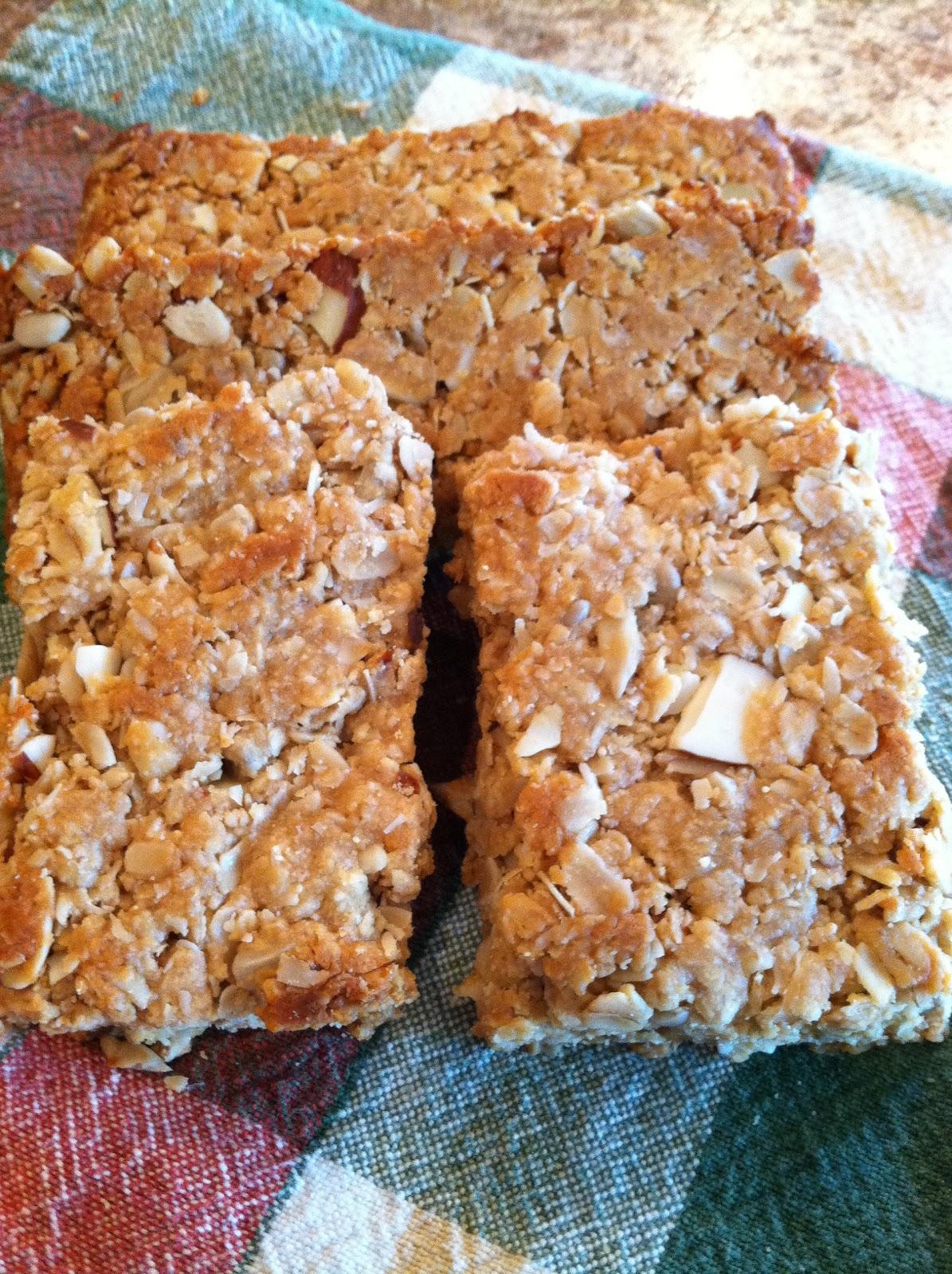 Simply Homemade: Simply Homemade Nutty Granola Bars