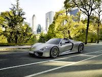 Porsche-918-Spyder-2014-05