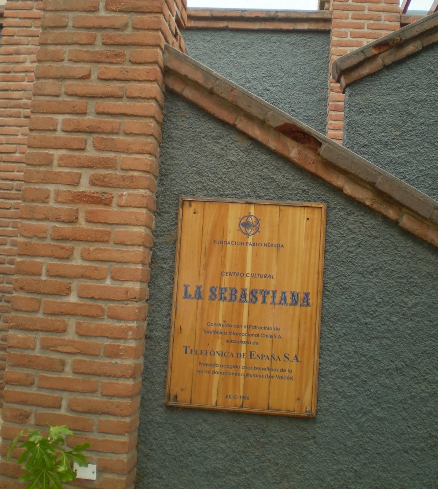 #986C33  de Valparaíso rodeada de janelas de vidro para que pudesse escrever 164 Janelas De Vidro Letra