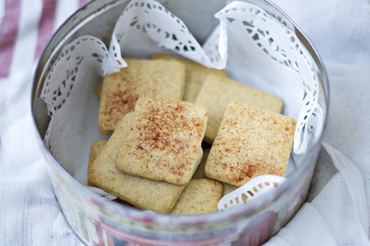 receta de crespillos, galletas saladas con pimentón