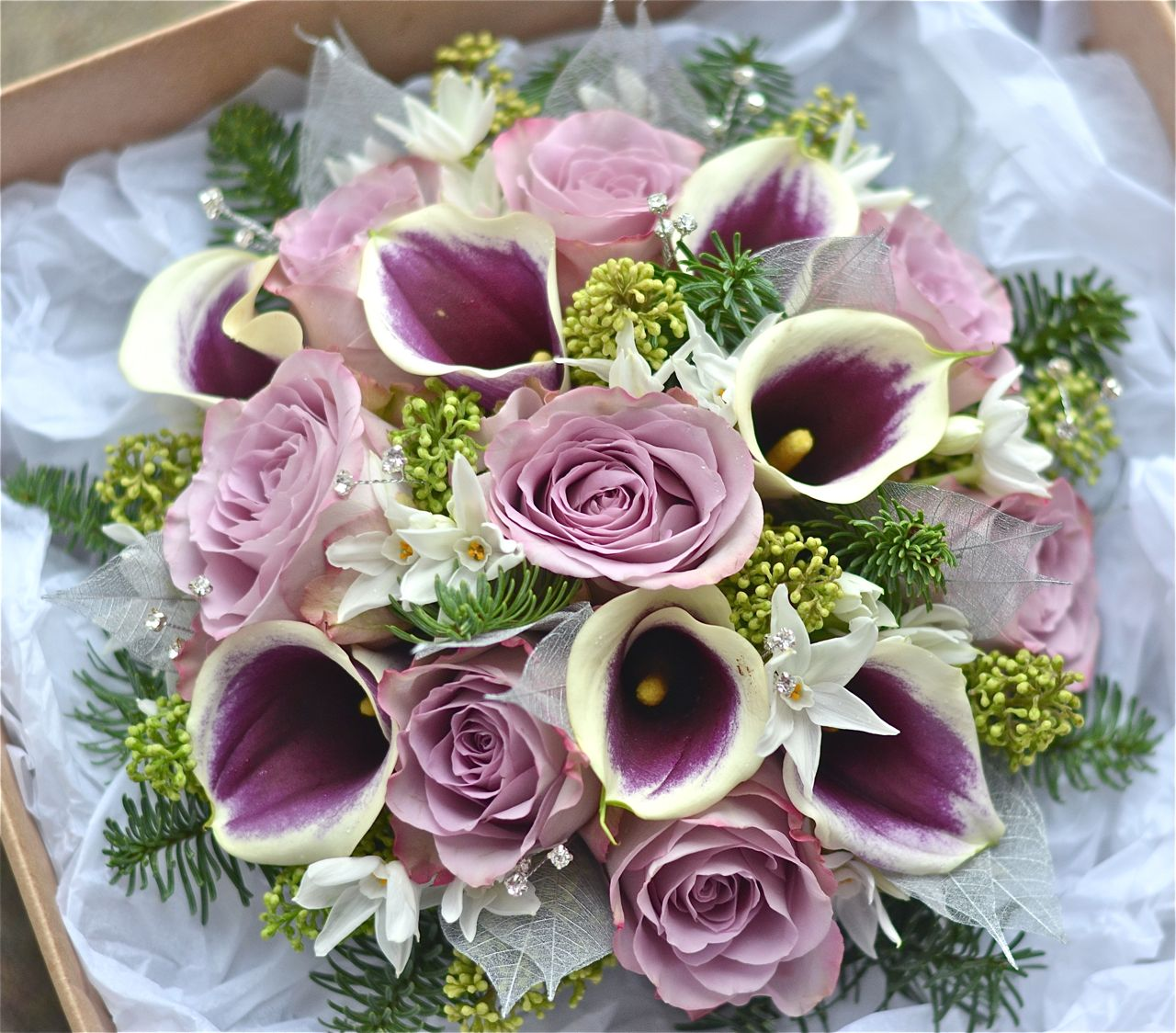 Wedding Flowers Blog: Lacey\'s Plum and Silver Winter Wedding ...