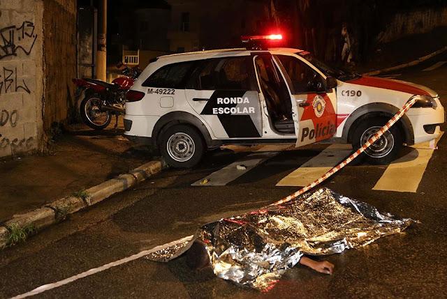 Lutador reage a assalto e mata ladrão em SP