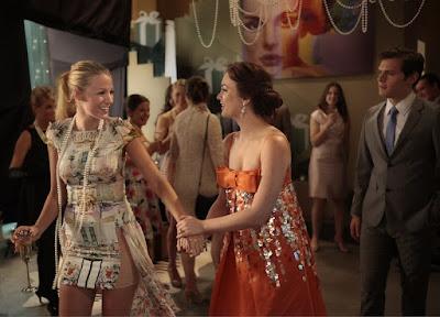 Сплетница - оранжевое платье Блер