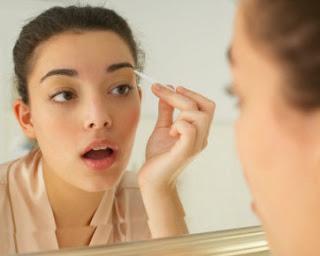 Tips Cara Menebalkan Alis Mata Secara Alami
