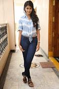 Pooja hegde gorgeous photo shoot-thumbnail-45