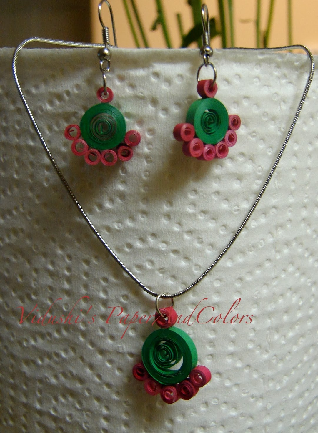 All About Quilling: Quilled earrings and necklace Handmade jewelry set