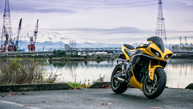Wallpaper Full HD Motocicleta Yamaha YZF-R1