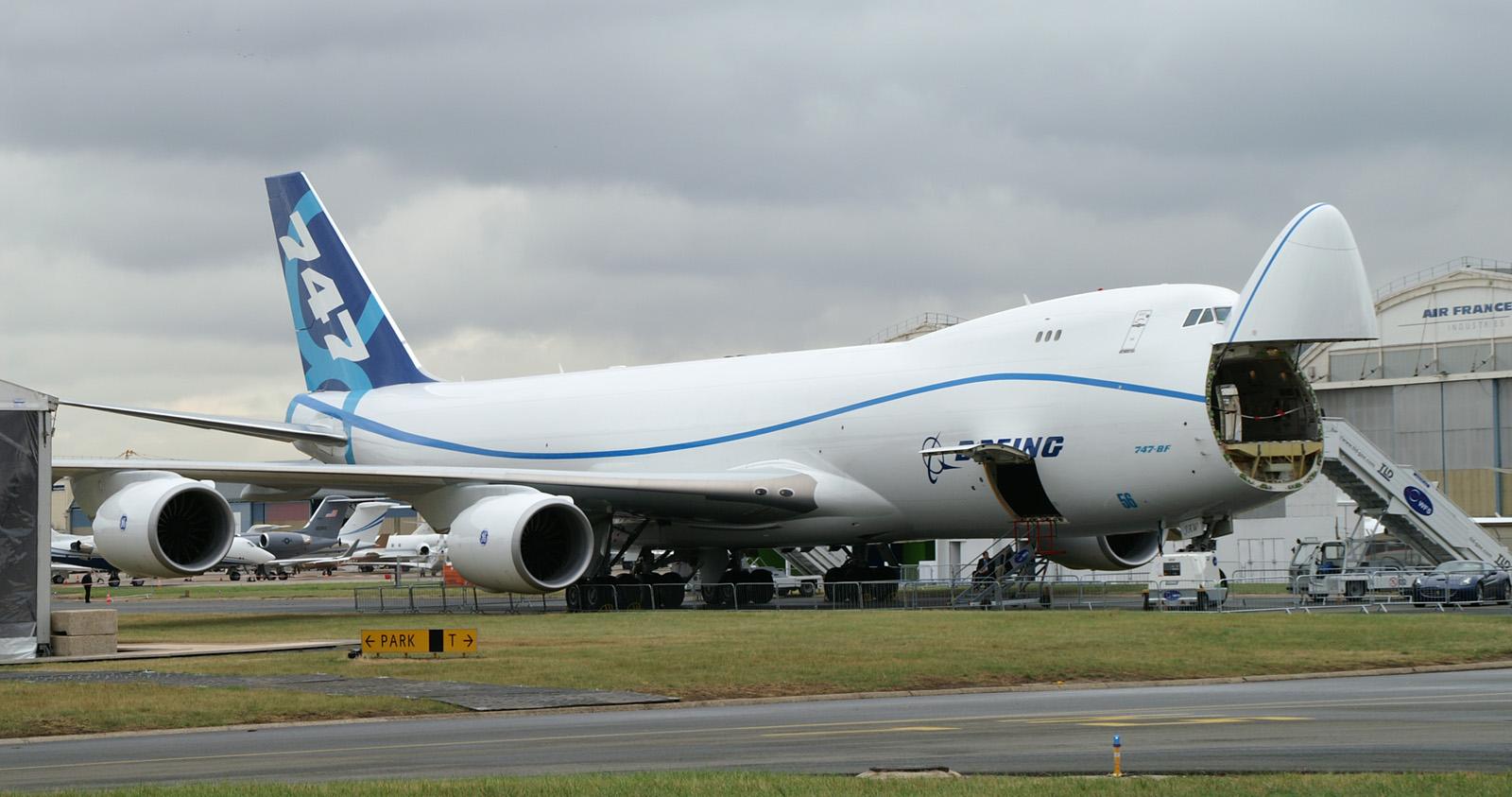 http://3.bp.blogspot.com/-twhMoNO43RY/T9XrjB6cgeI/AAAAAAAAJQs/TdMdvGekzJA/s1600/boeing_747-8_freighter.jpg