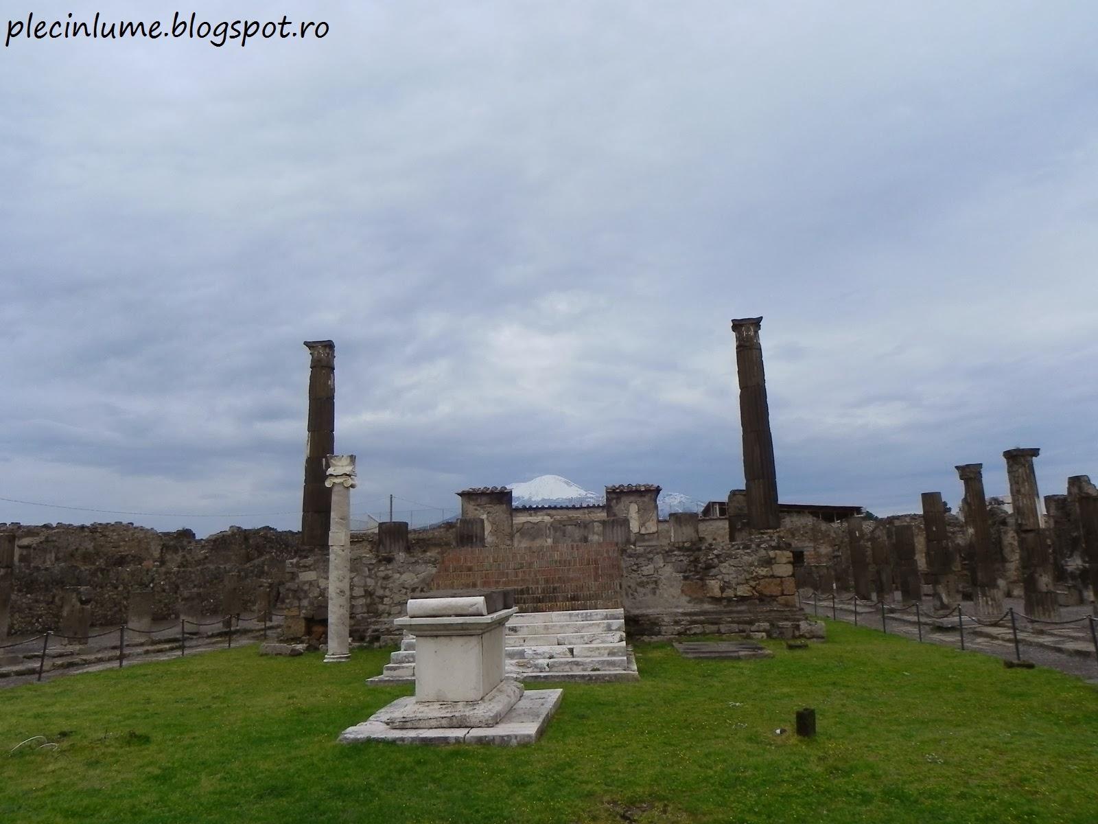 Vezuviul vazut din Pompei