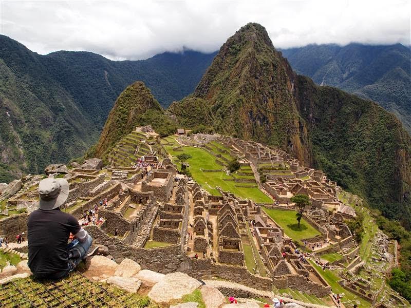 Contemplando Machu Picchu