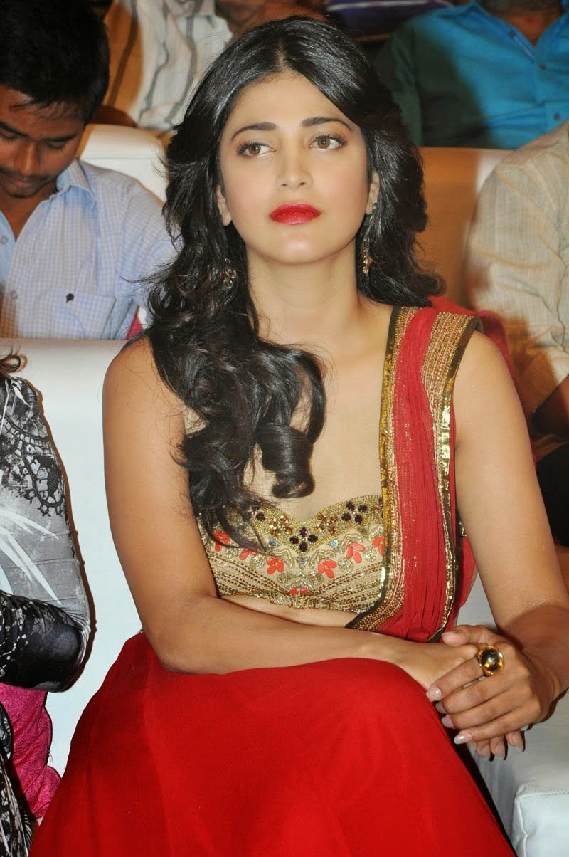 Shruti Haasan at Pooja Telugu Movie Audio Launch Event