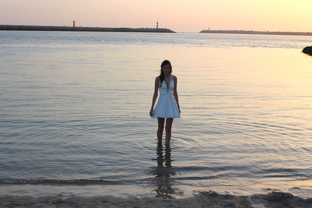 peexo fashion blogger sunset wearing missguided dress