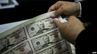 """Perú, el """"mayor productor"""" de dólares falsos"""