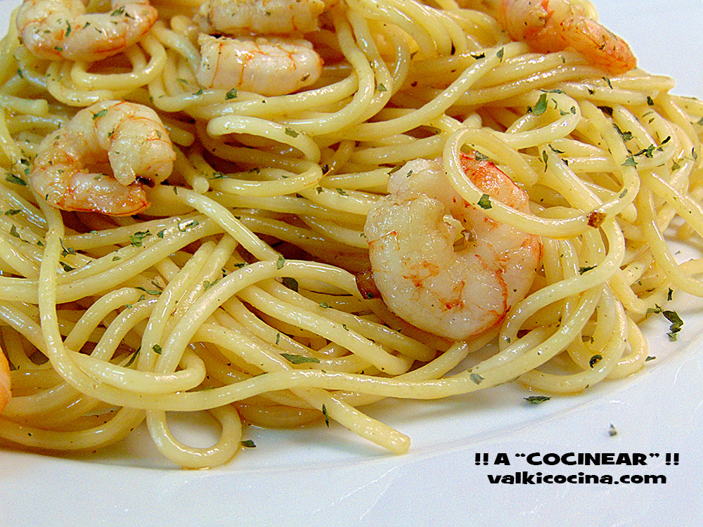 Espaguetis con gambas al ajillo a cocinear recetas - Espagueti con gambas y nata ...