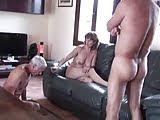 Жена заставляет лизать задницу ее любовника и отсосать его член