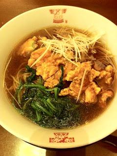 越谷のラーメン、謝朋殿の揚げ鶏のスープ麺¥1155