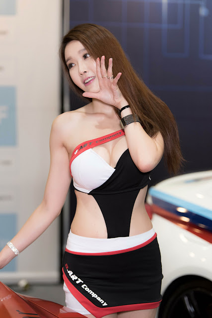 4 Yoo Ri Ahn - Seoul Auto Salon - very cute asian girl-girlcute4u.blogspot.com