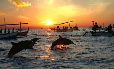 Liburan ke Pantai Lovina di Pulau Bali