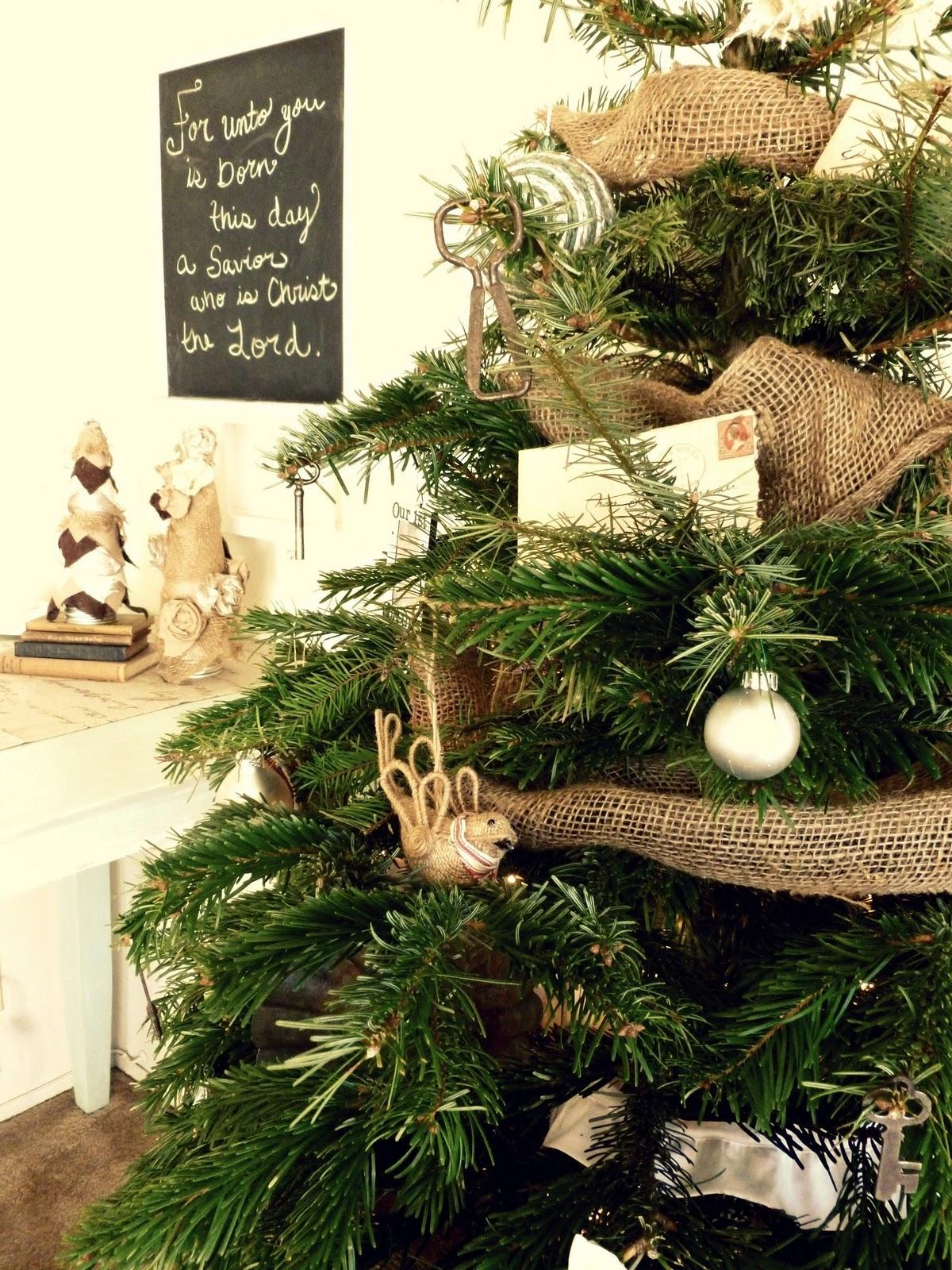 Burlap & Buttons Christmas Decor a dime