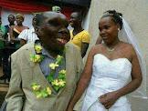 Homem mais feio de Uganda se torna pai pela oitava vez