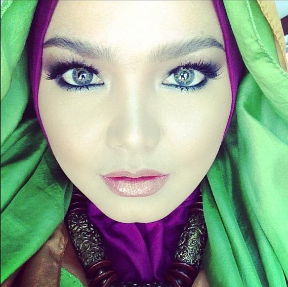fesyen tudung Dato' Siti Nurhaliza
