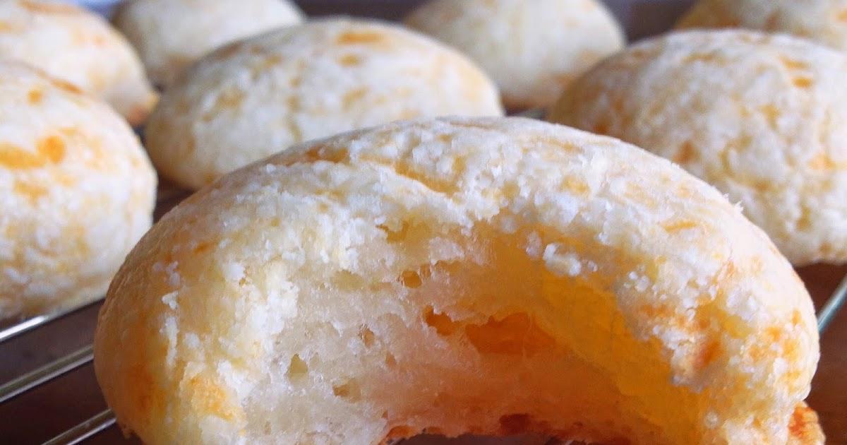 pão de queijo (cheesy bread bites)