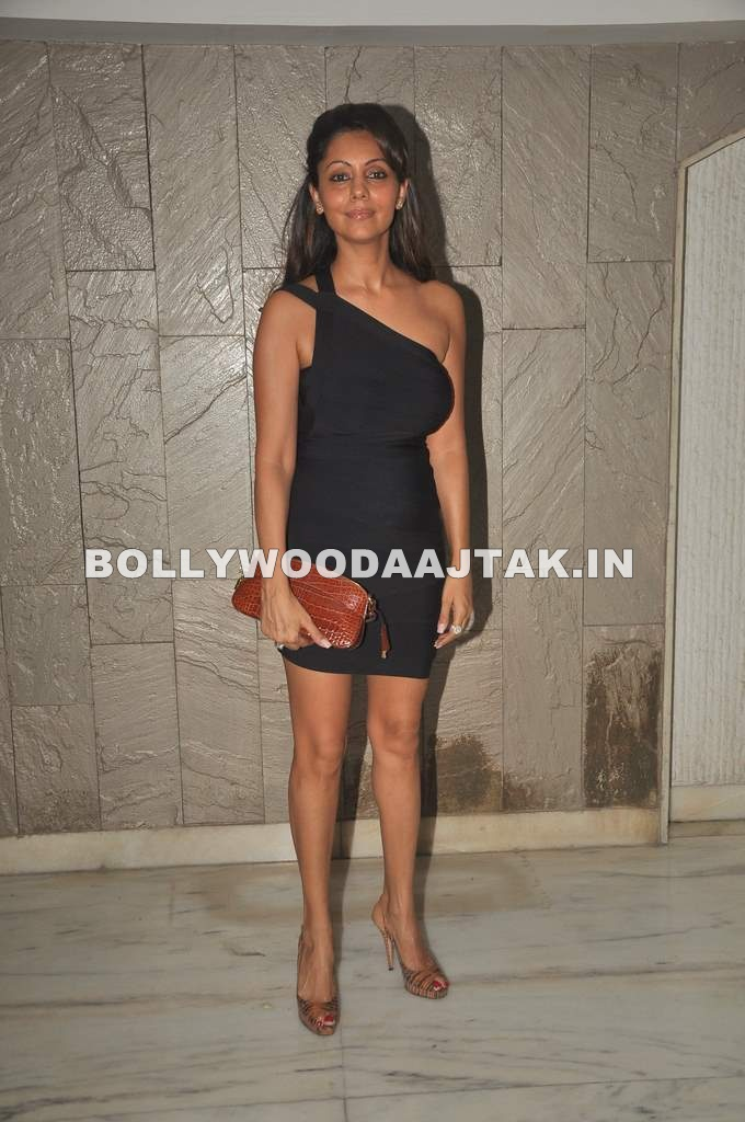1 - Celebs at Arjun Rampal's bday bash