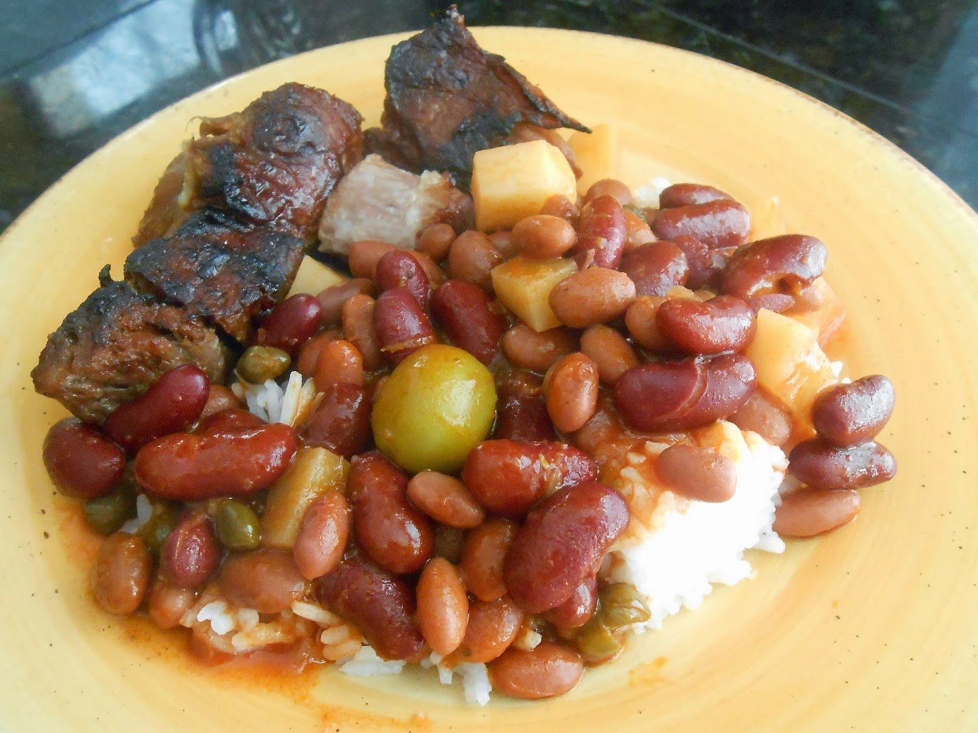 Dana\'s Kitchen: Puerto Rican Sofrito Beans With Rice and Barbecued ...