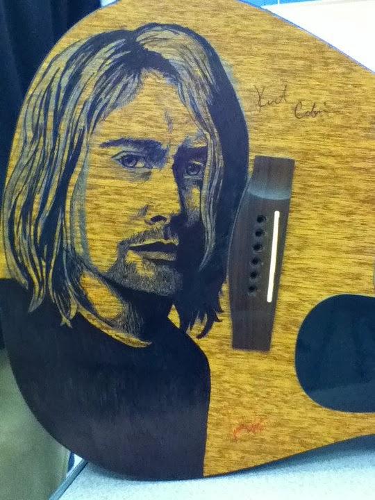 Kurt Cobain en la guitarra