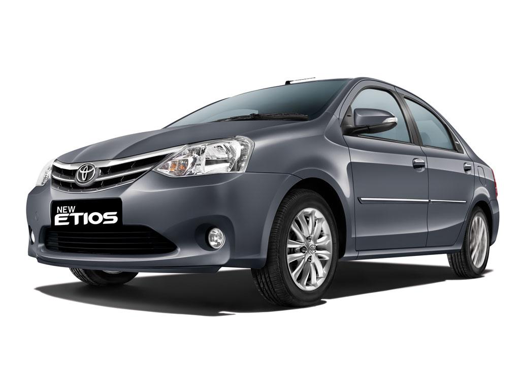 Toyota Etios 2013 chega com facelift na Índia   CAR.BLOG ...