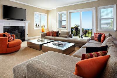 Ruang keluarga Dengan Sentuhan Warna Orange 7
