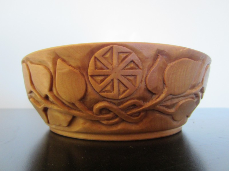 Ales the woodcarver october a maple bowl