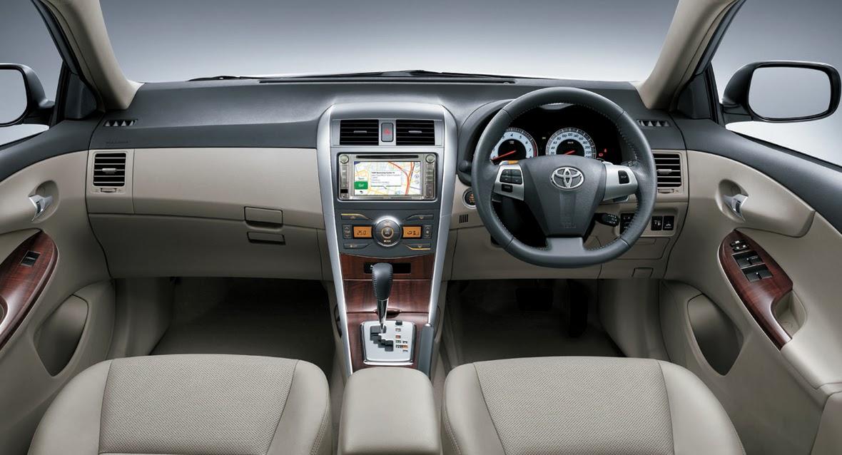 Interiors dari Mobil Corolla Altis